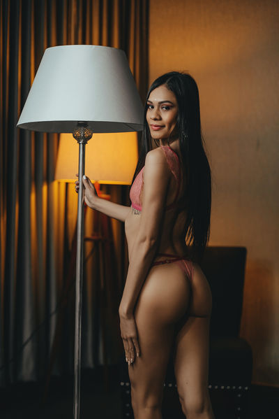Emma Westmore - Escort Girl from Hartford Connecticut