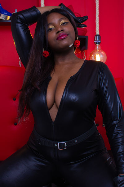 Ruby Ebon Switch - Escort Girl from Naperville Illinois